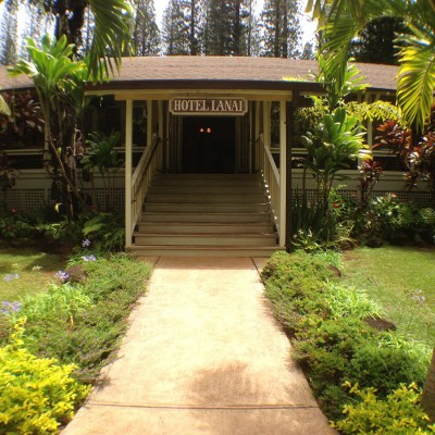 Hotel Lanai Assessment and Courtyard Design