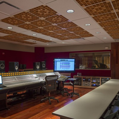 Honolulu Community College Music and Entertainment Lab